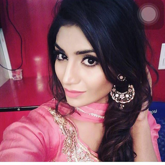Ek Cute Look Lagdi Punjabi Suit Ch Duje